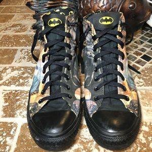 Batman Converse Size 10 men 12 won's